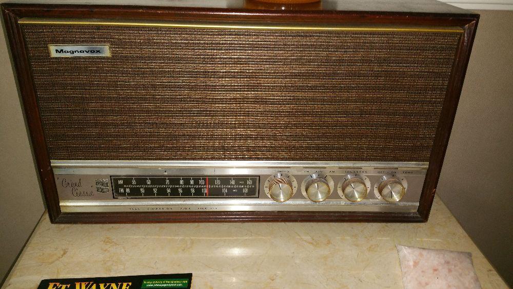 Magnavox Grand Classic Radio
